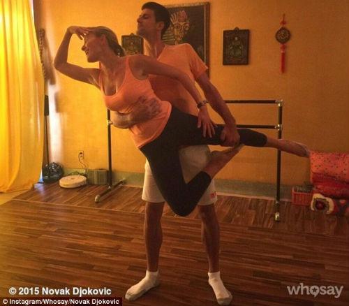 Bouchard đánh cặp Justin Bieber, Djokovic tung tăng dạo phố - 2