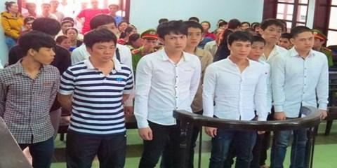Hoãn xử vụ hành hung Phó Giám đốc Sở GTVT Khánh Hòa - 1