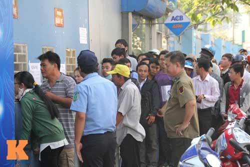 Xếp hàng dài mua vé xem U23 Việt Nam thi đấu - 2