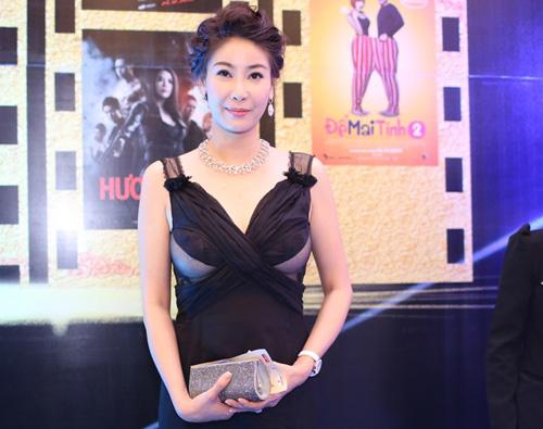 8 bộ váy gây tranh cãi của sao Việt tại liên hoan phim - 2