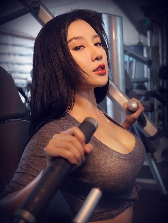 Hot girl ĐH Bắc Kinh khoe ảnh tập thể hình đẹp hút hồn - 7
