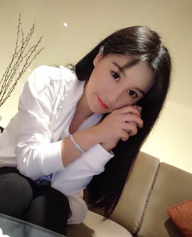 Hot girl ĐH Bắc Kinh khoe ảnh tập thể hình đẹp hút hồn - 11