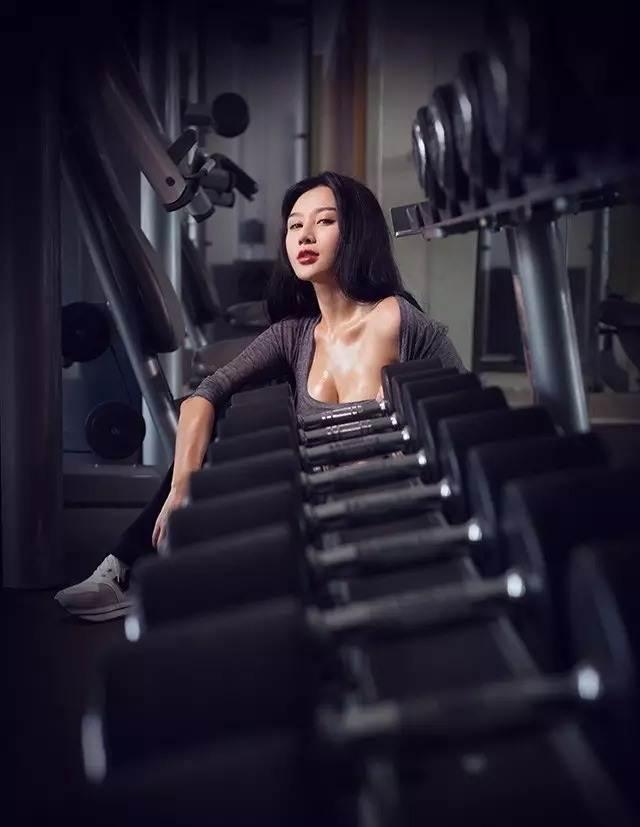 Hot girl ĐH Bắc Kinh khoe ảnh tập thể hình đẹp hút hồn - 6