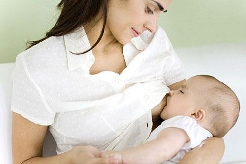 Bú sữa mẹ, trẻ thông minh và giàu có hơn - 1