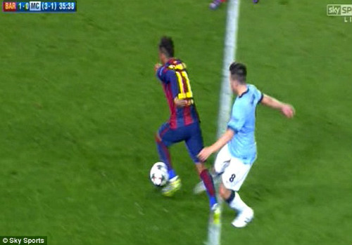 Nasri xứng đáng bị đuổi vì pha vào bóng ác ý với Neymar - 1