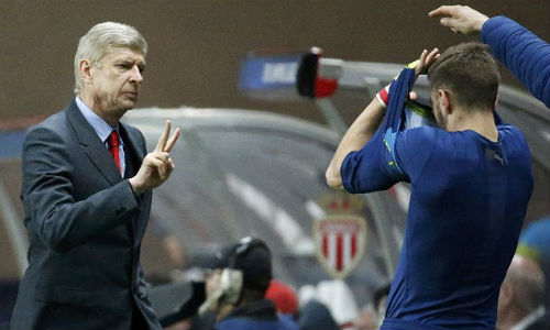 Wenger muốn đá Europa League để dễ vô địch - 1