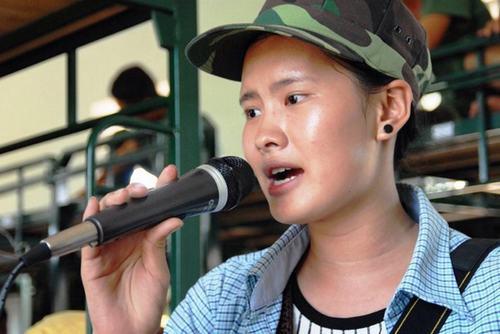 """Hé lộ về """"cô gái kẹo kéo"""" hát hit của Hồ Quỳnh Hương - 2"""