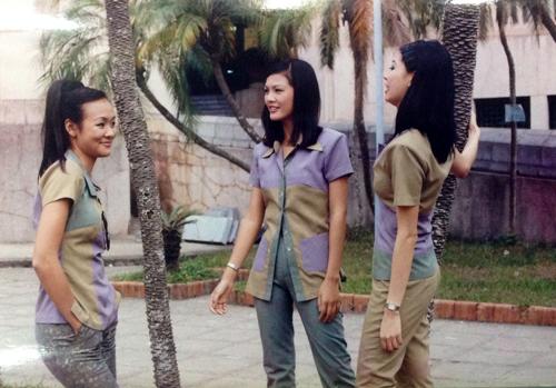 """Lộ ảnh """"độc"""" của 3 hoa hậu xinh đẹp 15 năm về trước - 13"""
