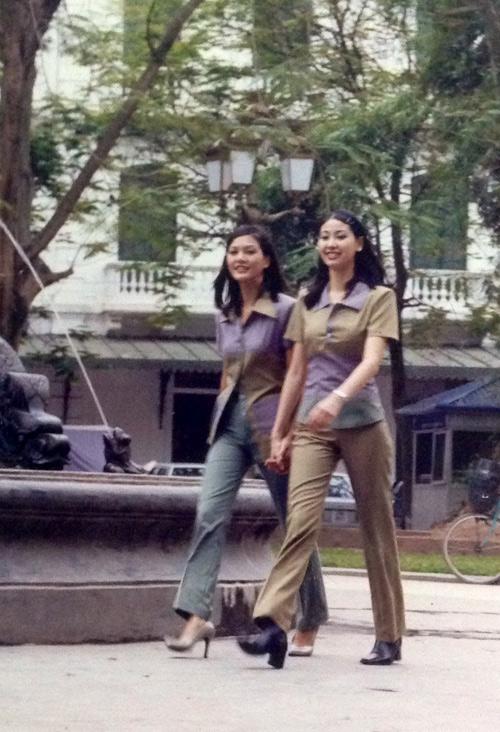 """Lộ ảnh """"độc"""" của 3 hoa hậu xinh đẹp 15 năm về trước - 12"""