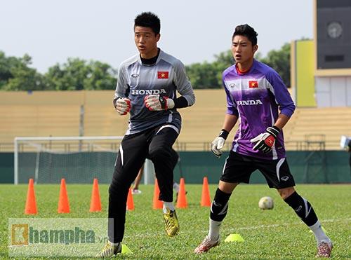 U23 Việt Nam: Tuấn Anh ghi bàn, ông Miura cực vui - 1