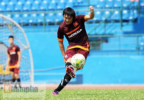 U23 Việt Nam: Tuấn Anh ghi bàn, ông Miura cực vui - 11