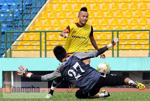 U23 Việt Nam: Tuấn Anh ghi bàn, ông Miura cực vui - 12