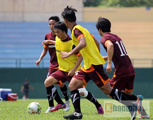 U23 Việt Nam: Tuấn Anh ghi bàn, ông Miura cực vui - 10