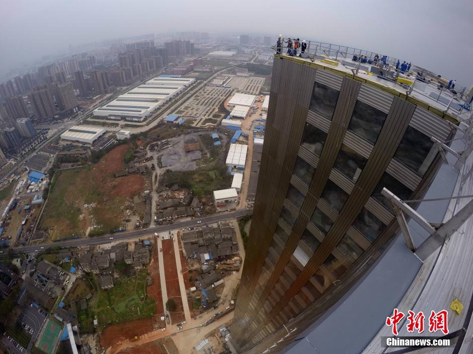 TQ: Xây tòa nhà 57 tầng chống động đất trong 19 ngày - 6