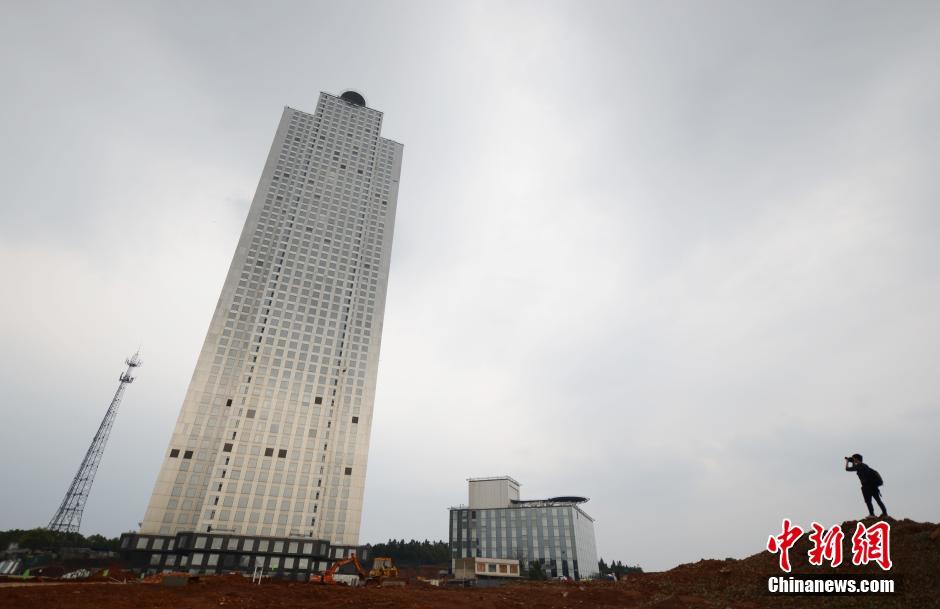 TQ: Xây tòa nhà 57 tầng chống động đất trong 19 ngày - 7