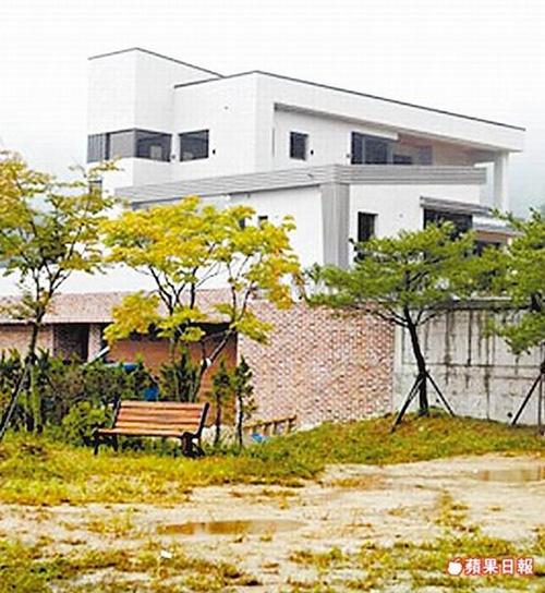"""Đột nhập biệt thự 177 tỷ của """"nàng Dae Jang Gum"""" - 6"""