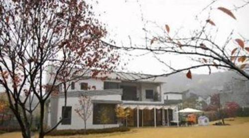 """Đột nhập biệt thự 177 tỷ của """"nàng Dae Jang Gum"""" - 13"""