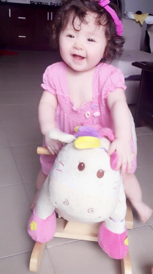 Những hình ảnh xinh như thiên thần của bé Cadie Mộc Trà - 5