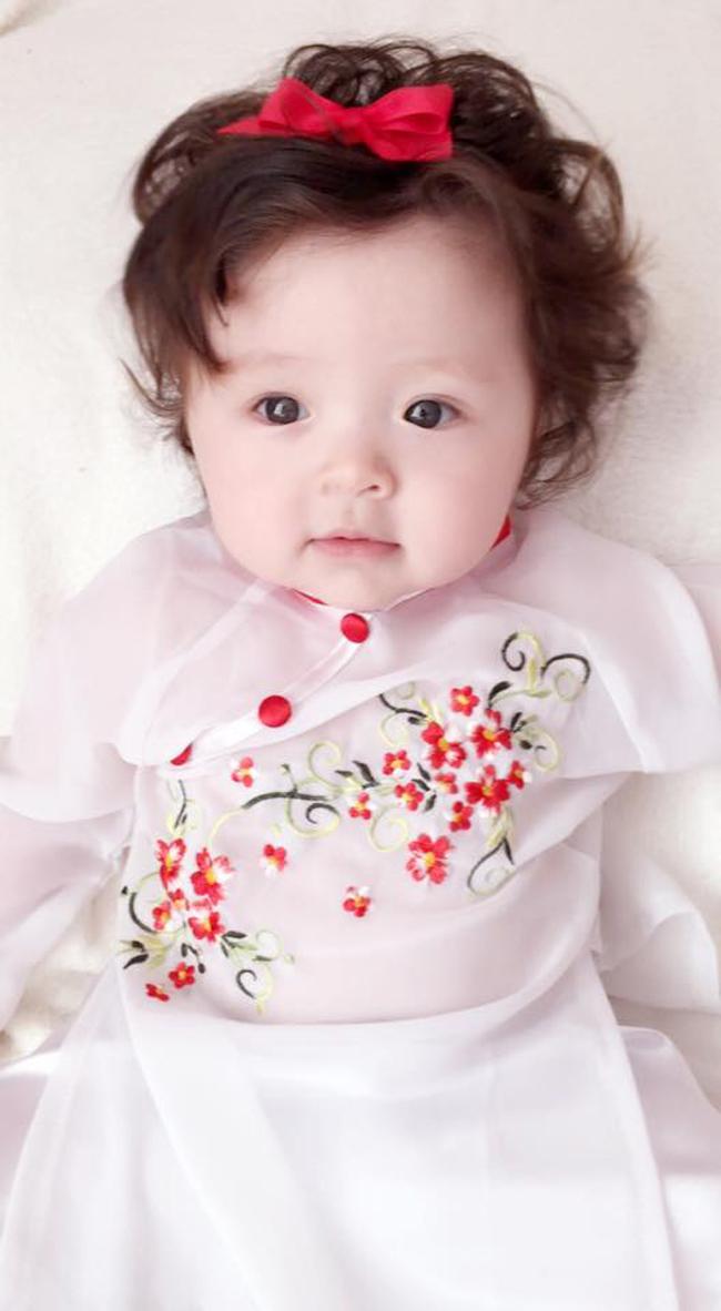 Những hình ảnh xinh như thiên thần của bé Cadie Mộc Trà - 11
