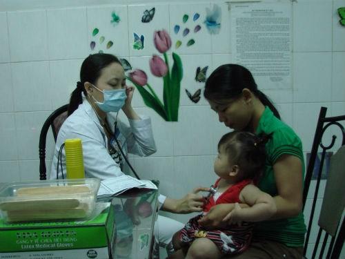 Nhịn tiểu ở trường: Trẻ bị viêm đường tiết niệu - 1