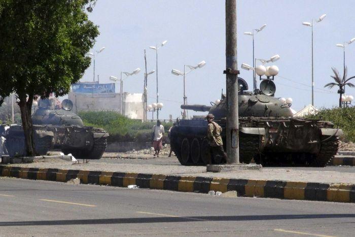 Yemen: Chiến đấu cơ lạ ném bom dinh tổng thống - 2