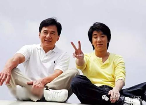 Con trai Thành Long từng hát rong kiếm tiền - 4