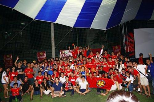 """Fan MU Việt Nam chuẩn bị """"sóng lớn"""" đón Liverpool - 1"""