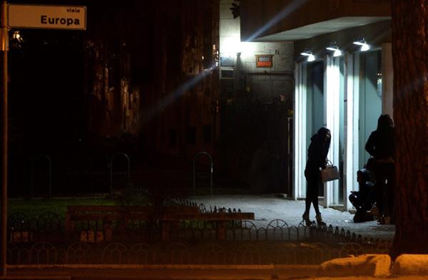 """Ý: Lập phố đèn đỏ để khách làng chơi """"thoải mái hơn"""" - 1"""