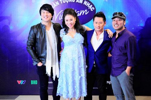 """""""Soi"""" bộ ba giám khảo mới Vietnam Idol - 4"""