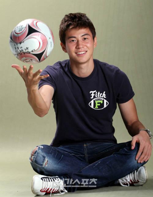 Sao 360 độ: Cầu thủ bóng đá đẹp nhất xứ Hàn - 1
