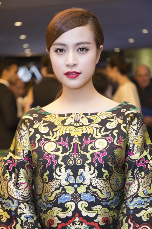 Minh Hằng, Hoàng Thùy Linh đọ sắc tại tiệc hoàng gia - 3