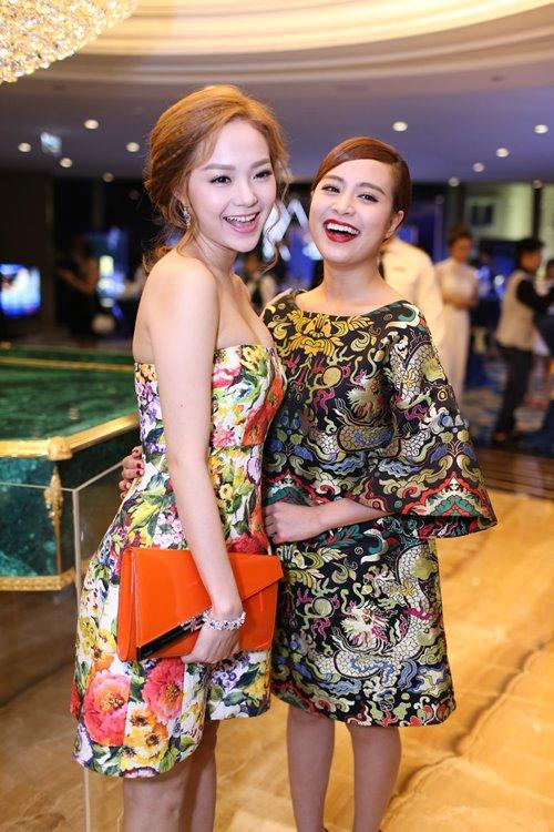 Minh Hằng, Hoàng Thùy Linh đọ sắc tại tiệc hoàng gia - 1