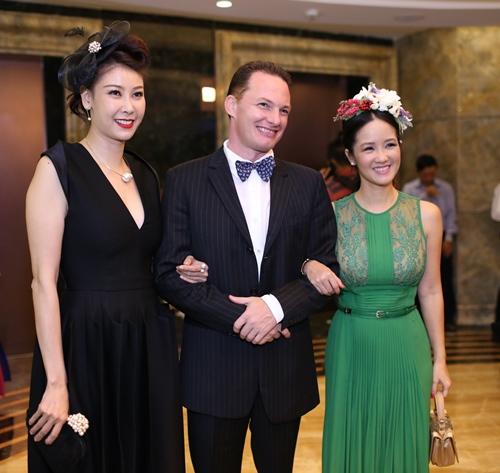 Minh Hằng, Hoàng Thùy Linh đọ sắc tại tiệc hoàng gia - 12