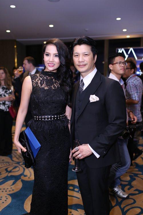 Minh Hằng, Hoàng Thùy Linh đọ sắc tại tiệc hoàng gia - 14