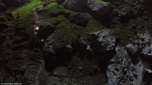 """""""Choáng"""" với cảnh quan hang Sơn Đoòng nhìn từ fly-cam - 7"""