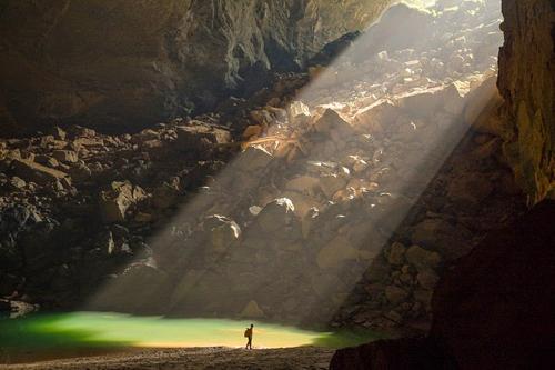 """""""Choáng"""" với cảnh quan hang Sơn Đoòng nhìn từ fly-cam - 9"""