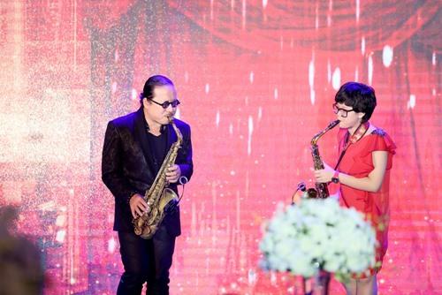 Chồng Thu Minh tặng vợ sợi dây chuyền 400 triệu - 7
