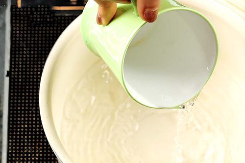 Tự làm nước sả chanh giúp thân hình thon đẹp - 2