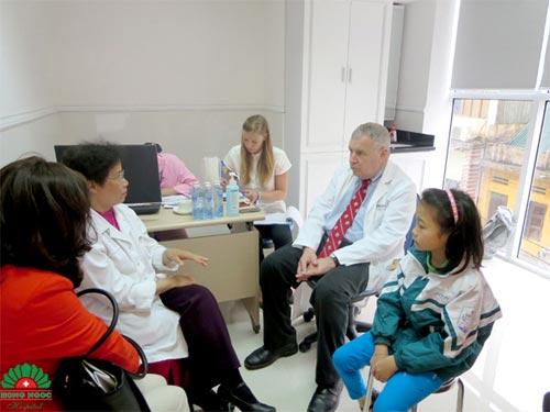 BV Hồng Ngọc phẫu thuật từ thiện thành công cho 26 trẻ dị tật - 2