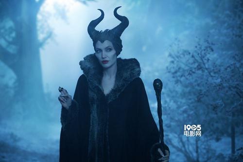 """Những dì ghẻ, phù thủy độc ác """"khét tiếng"""" trên màn ảnh - 10"""