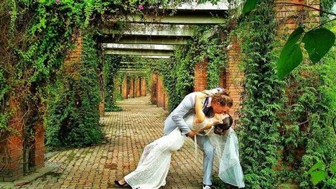 """Đám cưới vòng quanh thế giới của cặp đôi thích """"nhào lộn"""" - 14"""
