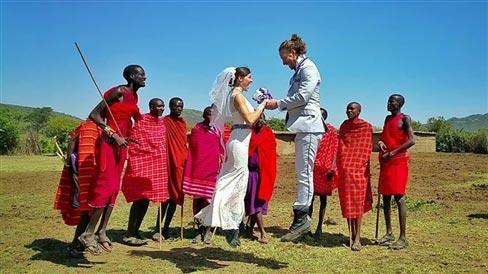 """Đám cưới vòng quanh thế giới của cặp đôi thích """"nhào lộn"""" - 4"""