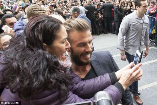 Beckham bỗng xuất hiện trên chợ sex online - 5