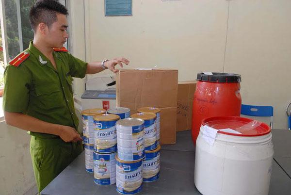 Phá cơ sở sản xuất sữa giả cho bà bầu, trẻ em - 2