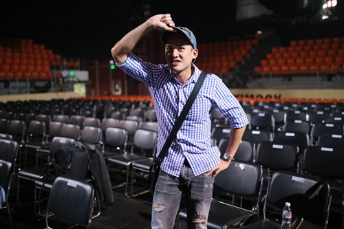 """Isaac """"đốn tim"""" fan nữ trên sân khấu HTV Awards - 9"""