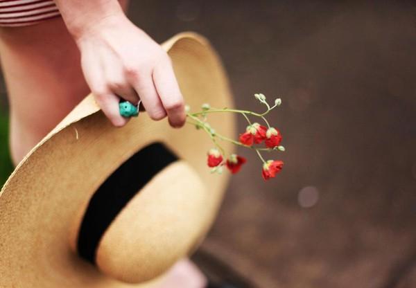 Thư tình: Muốn quên anh nhưng lòng vẫn nhớ - 1