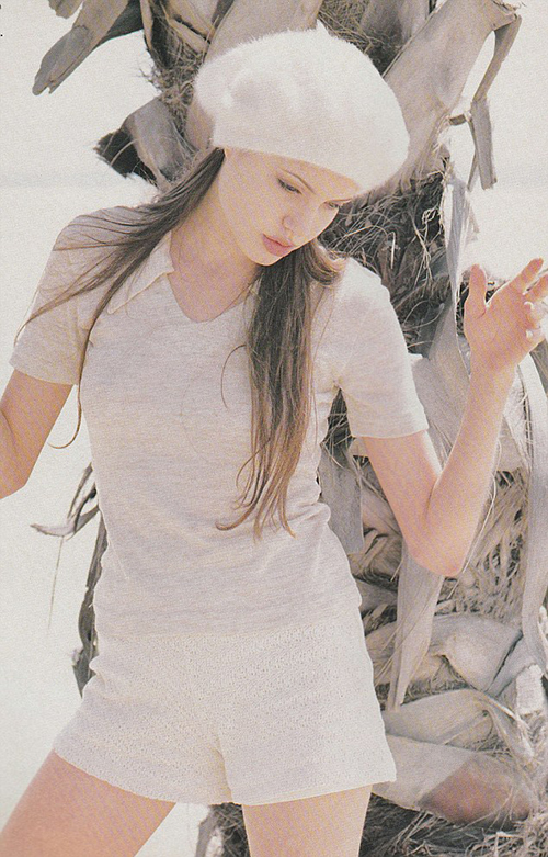 Ảnh làm mẫu năm 18 tuổi gây sốt của Angelina Jolie - 3