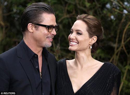 Ảnh làm mẫu năm 18 tuổi gây sốt của Angelina Jolie - 6