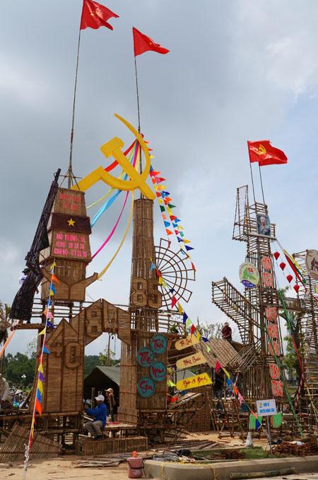 Dân đổ về tham quan tượng đài Mẹ Việt Nam Anh hùng - 14