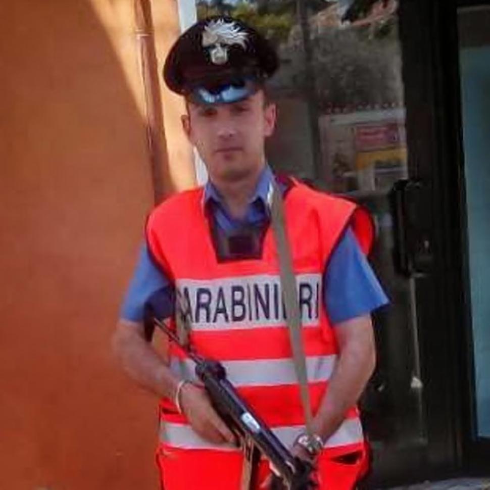 Ý: Cảnh sát chuốc thuốc mê, hiếp dâm 16 nữ du khách - 2